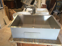 15 DIFFERENT STYLE OF SINKS BRAND NEW IN THE PACKAGE