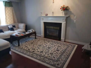 1 room available @ upper James St& stony church Rd (Female only)