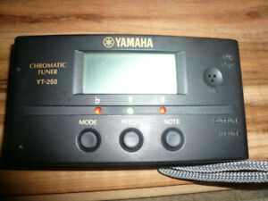 YAMAHA YT250 CHROMATIC AUDIO TUNER with LCD