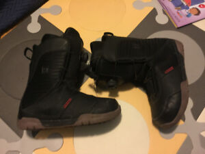K2 men's 8 and 9 Snowboarding boots