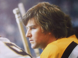 BOBBY ORR #4 BOSTON BRUINS LARGE FRAMED GICLEE CANVAS London Ontario image 2