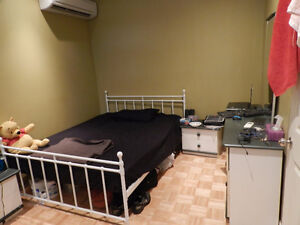 Metro Monk 3 minutes, big room for rent. All included. $410
