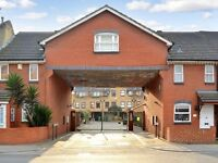 3 bedroom house in Greenland Mews, Surrey Quays SE8