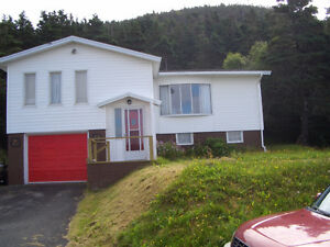 HOUSE- 15 min drive to Long HBR. Arnolds Cove, Bull Arm