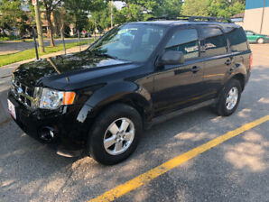 2011 Ford Escape XLT - Black 4x4