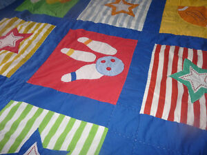 Very cute boys' partially handcrafted quilt with 2 shams Kitchener / Waterloo Kitchener Area image 3
