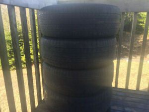 Four Michelin P235/55R18 Summer Tires