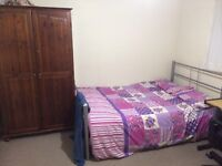 Excellent double bedroom in the Westend to let include all bills