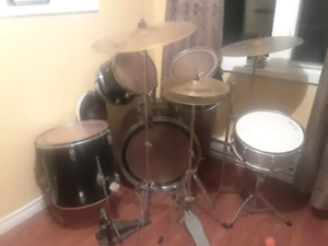 FULL SET PEARL DRUMS