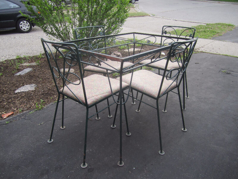 Vintage Metal Table And Chairs, Leaf Motif, $3000  Patio. Outdoor Furniture Rental In Long Island. Sling Ottoman Patio Furniture. How To Build A Herringbone Brick Patio. Patio Paint Color Ideas. Lowes Patio Furniture Bistro Set. Outdoor Furniture Using Wooden Pallets. Patio Furniture Lakeville Mn. Garden Swing Building Plans