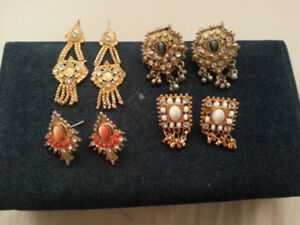 GOLD  PLATED  PIERCED  EARRINGS   ..   5  PAIRS