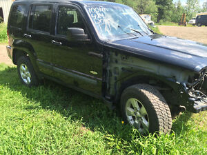 PARTiNG OUT 2010 Jeep Liberty