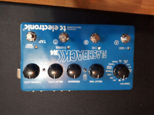 Flahback4x delay pedal