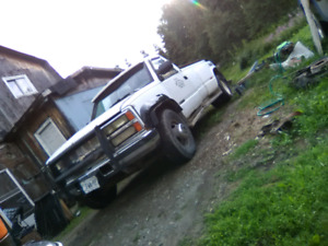 Wanted front fenders, tailgate for 92 chevy