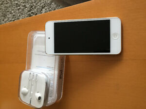 IPOD Touch 6th generation. perfect condition.  32gig.