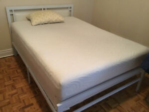 TWIN SIZE WHITE METAL BED FRAME WITH HEAD BOARD