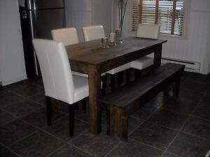 Tables neuves en bois