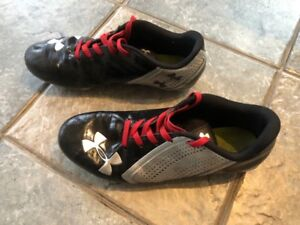 Paire Spikes souliers Football gr.11.5US UnderArmour