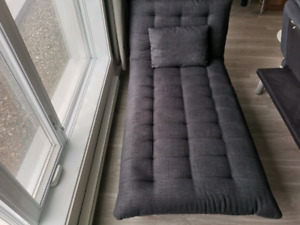 Structube Flow futon -- Canapé-lit -- Sofa bed