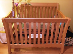 Bassinette Baby Cache Uptown Convertible Crib