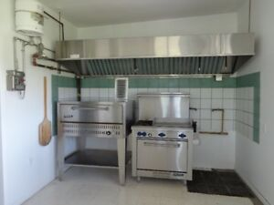 Gas stove-Pizza oven and hotte C0-2 with cheminy
