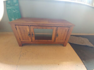 TV Cabinet Solid Oak - Real Wood Excellent Condition