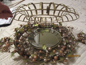 "13"" MIRRORED CENTER PIECE AND 2 CANDLE RINGS"