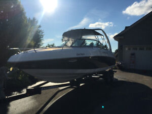 2006 Rinker 262 boat with cuddy, only 178hrs