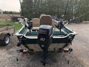 2006 Legend Viper 151 Fishing boat with downriggers and poles
