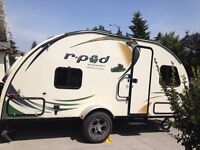 """Small Travel Trailer Forest River R-POD 182G 20"""" bunk beds"""