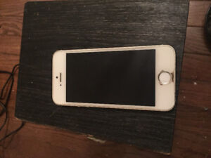 iPhone 5s 32 gig white for Rogers