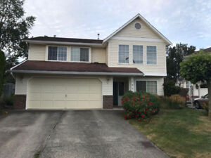 Abbotsford 5BR / 3Ba 2500ft2 house available oct 1