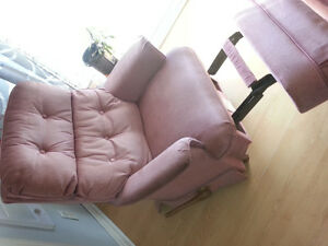 Lazy Boy fauteuil bercant, inclinable Gatineau Ottawa / Gatineau Area image 3