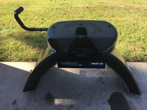 Ford SuperDuty Reese Elite 18K Fifth Wheel Hitch