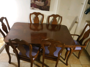 Dining table with 6 chairs $90