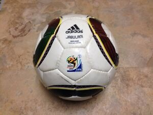 ADIDAS JABULANI REPLIQUE - 2010 FIFA WORLD CUP