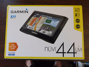 "GARMIN GPS 44LM, 4.3"" SCREEN, LIFETIME MAP UPDATE, BRAND NEW."