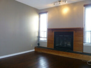 3 bedroom townhouse in Riverbend available April 20.