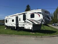 2013 Heartland Road Warrior 415rw toy hauler.