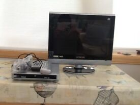 "Hitachi 15 "" HD T.V and Technika d.v.d player"