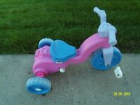 Girl tricycle it can be used inside.
