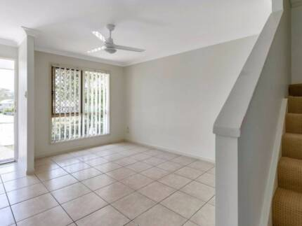 Sally Drive - (1wks FREE RENT) AVAILABLE NOW- Spacious,