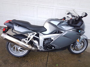 BMW K1200S LIKE NEW