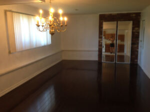 Large spacious  1 bedroom  ground  floor  suit near BCIT $ 950