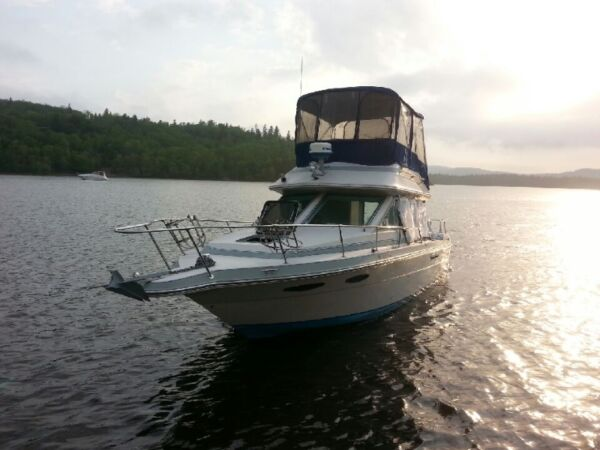 1987 Sea Ray Boats Sea Ray 265 fly bridge