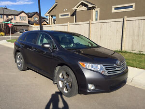2010 Venza V6 Touring AWD, Mint, Luxurious, Low KMs