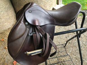 "17"" Stubben close contact saddle."