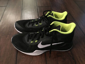 Nike basketball shoes, men's size 9
