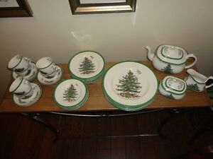 "Spode ""Christmas Tree"" dinnerware"