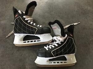 Patins de hockey pour enfant grandeur 6 à vendre